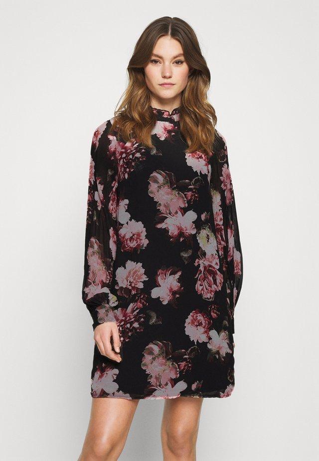 VITAFFY DRESS - Vapaa-ajan mekko - black