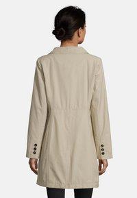Gil Bret - MIT STEHKRAGEN - Short coat - beige - 2