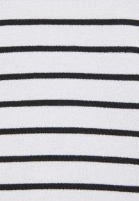 Kaffe - KAMALA - Print T-shirt - chalk/black - 2