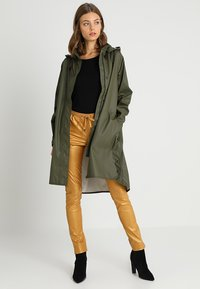 Ilse Jacobsen - TRUE RAINCOAT - Parka - army - 1