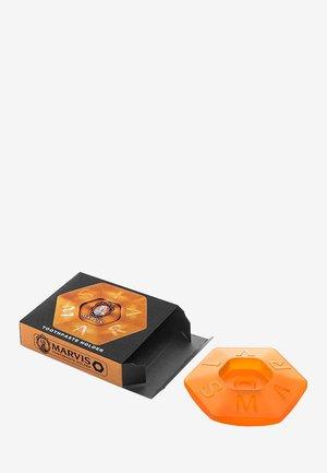 TOOTHPASTE HOLDER - Tandverzorging - orange