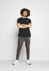 SQUATWOLF - WARRIOR TEE - T-shirt imprimé - black - 1