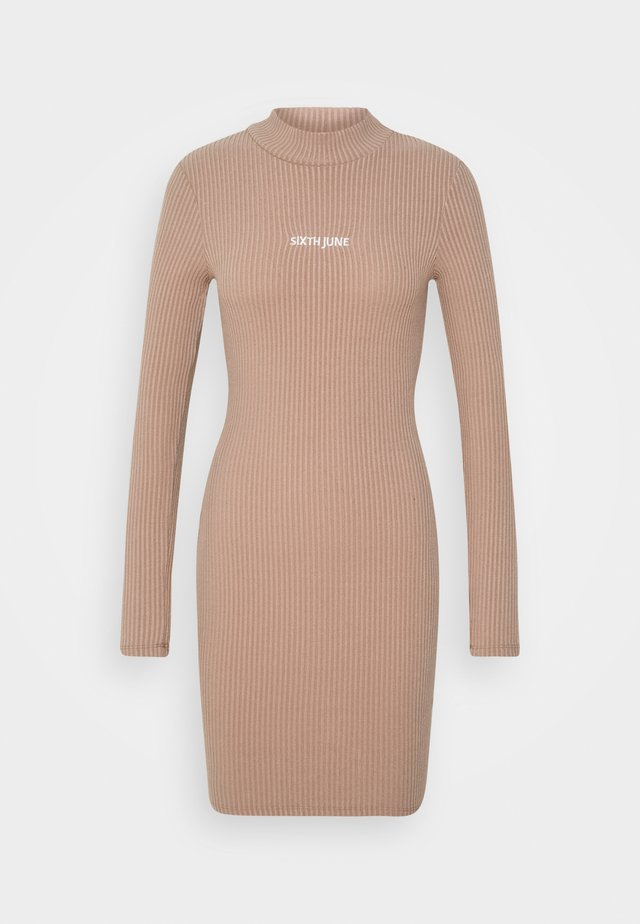 HIGH NECK DRESS - Etuikjoler - beige
