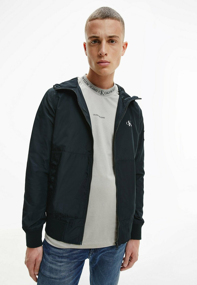 Calvin Klein Jeans - Kevyt takki - ck black