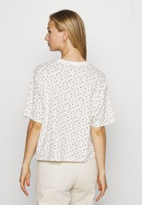 Levi's® - BOXY TEE - T-shirts med print - cyprine tofu - 2