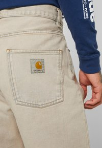 Carhartt WIP - NEWEL PANT MAITLAND - Relaxed fit jeans - blue sandbleached - 3