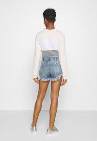 Free People - SLOUCHY CUTOFF - Denim shorts - indigo blue - 2