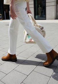 See by Chloé - MALLORY BOOTIE - Kotníkové boty - tan - 0