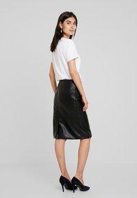 Esprit Collection - FAKE CORCODILE - Pennkjol - black - 2