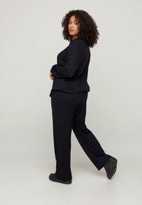 Zizzi - Teplákové kalhoty - black - 1