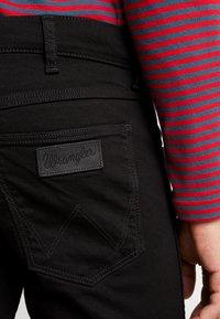 Wrangler - GREENSBORO - Straight leg jeans - black valley - 3