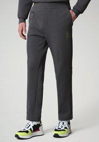 Napapijri - OAHU - Tracksuit bottoms - dark grey solid - 0