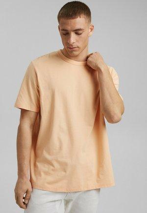 MIT COOLMAX - Basic T-shirt - peach