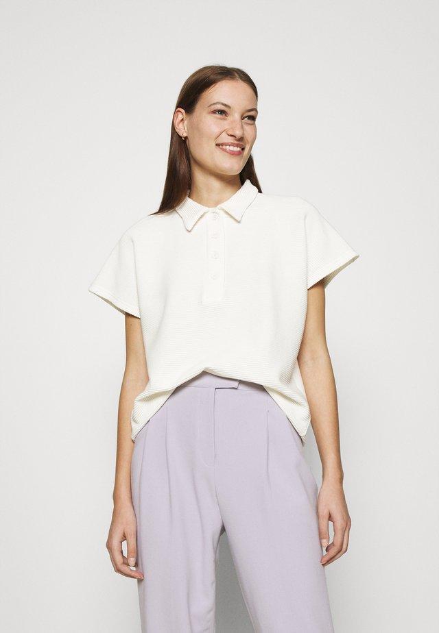 ISMÈNE - Print T-shirt - off-white
