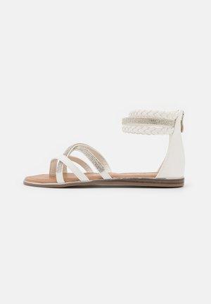Sandály s odděleným palcem - medusa bianco