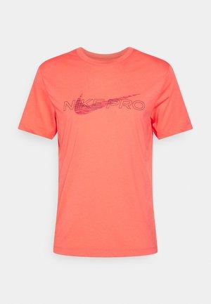 TEE PRO - T-shirt med print - magic ember