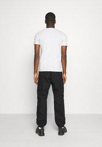 Replay - TEE - Basic T-shirt - cold grey - 2