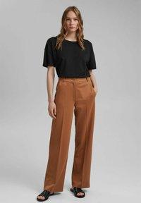 Esprit Collection - SOFT PUNTO - Trousers - caramel - 5