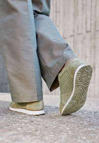 Woden - YDUN - Trainers - dusty olive - 3