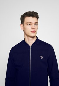 PS Paul Smith - BOMBER JACKET - Zip-up hoodie - navy - 3