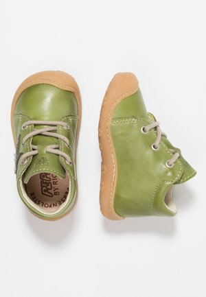 ROMY - Baby shoes - leaf