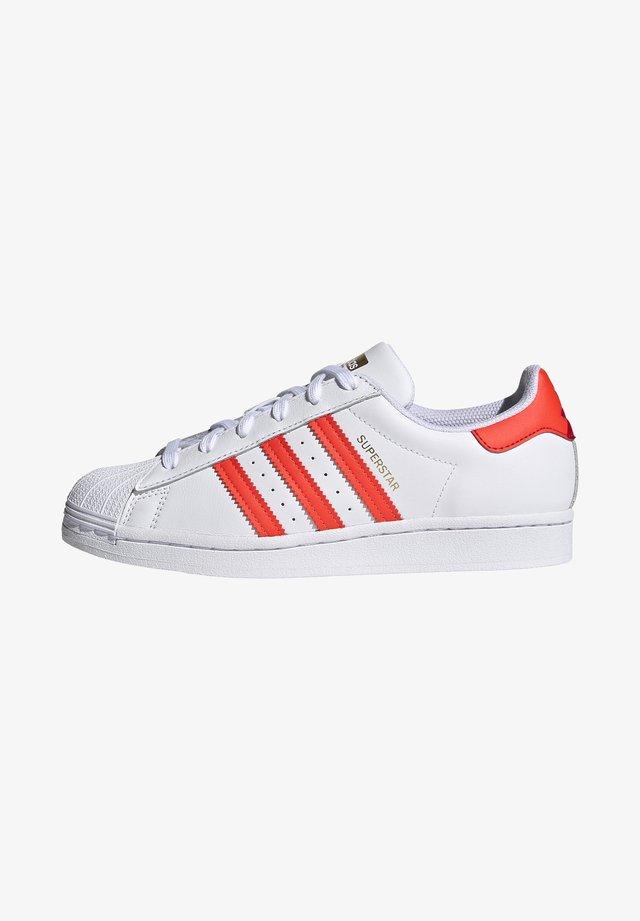 SUPERSTAR  - Sneakers - footwear white/solar red/scarle