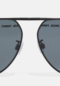 Tommy Jeans - UNSIEX - Lunettes de soleil - matte black - 2