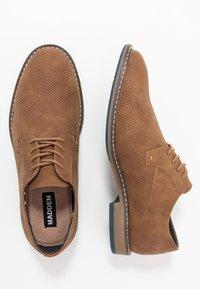 Madden by Steve Madden - SARRON - Šněrovací boty - cognac - 1