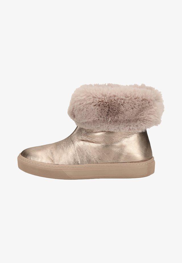 Winter boots - bronze