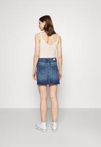 Tommy Jeans - SHORT SKIRT - Mini skirt - blue denim - 2