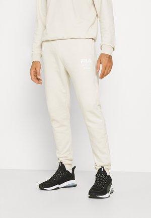 GAVIN PANTS - Tracksuit bottoms - beige