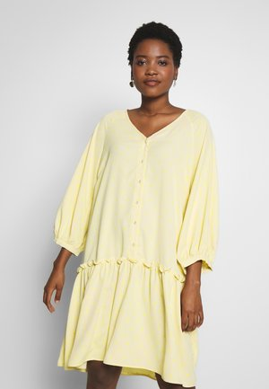 BROLC DRESS - Skjortekjole - jojoba yellow