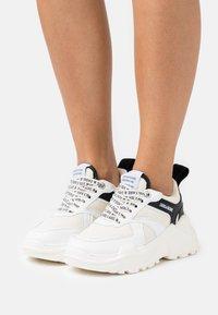 Zadig & Voltaire - FUTURE  - Trainers - blanc - 0
