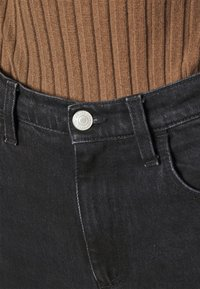 House of Dagmar - ALBA - Jeans a sigaretta - washed black - 4
