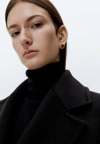 Uterqüe - Short coat - black - 5