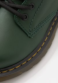 Dr. Martens - 1460 ROMARIO - Lace-up ankle boots - green - 2