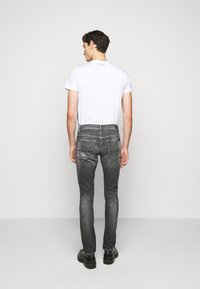 7 for all mankind - RONNIE STRETCH TEK MASSIVE - Džíny Slim Fit - dark grey - 2