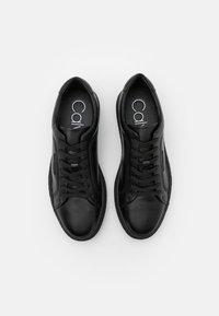 Calvin Klein - ELLIOT - Trainers - black - 3