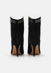 Toral - Classic ankle boots - black - 3