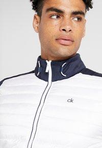 Calvin Klein Golf - HYBRID JACKET - Outdoor jakke - navy/white - 5