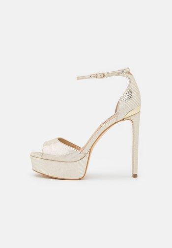 ALDEN - Platform sandals - plaino