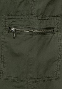 Cecil - Shorts - utility olive - 5