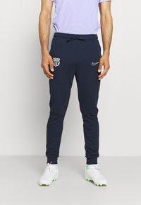 Nike Performance - FC BARCELONA TRAVEL PANT - Club wear - obsidian/soar/pale ivory - 0