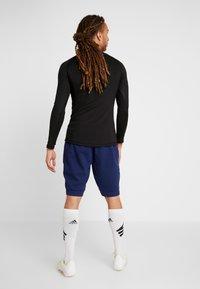 Umbro - FC SCHALKE 04 PRO  - Sports shorts - medieval blue/evening blue - 2