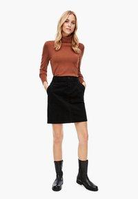 s.Oliver - Pencil skirt - black - 1