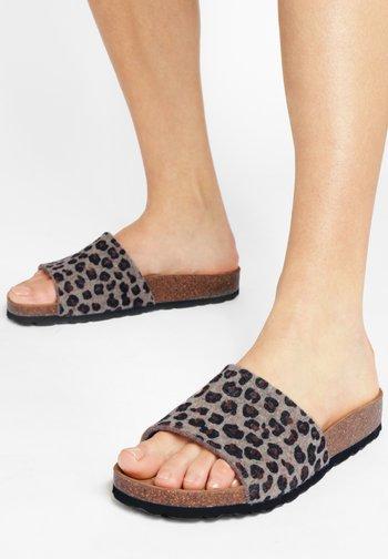 BONNIE - Sandály do bazénu - mottled beige