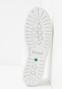 Timberland - NEWPORT BAY BUMPER TOE - Sneaker low - white - 6
