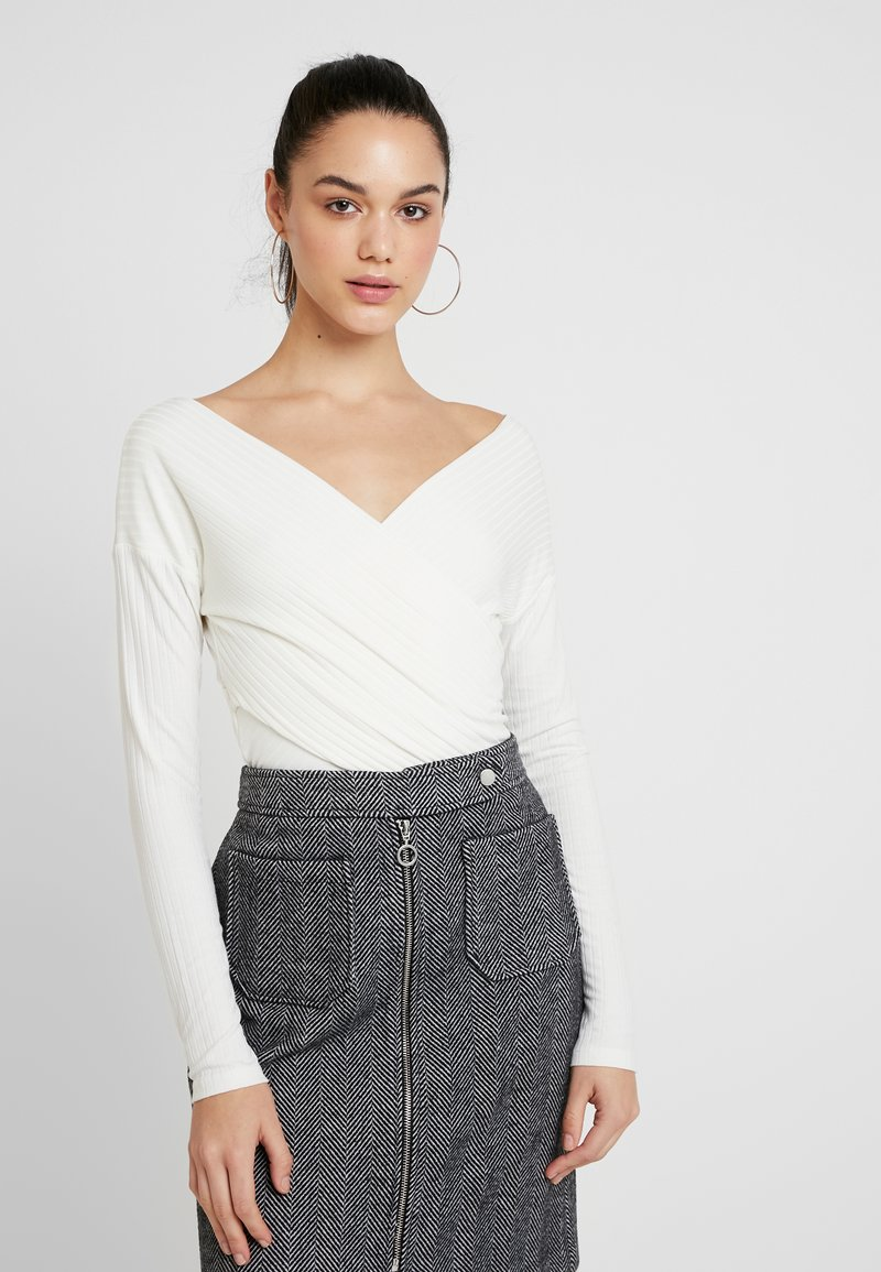 Nly by Nelly - CRISS CROSS SHOULDER - Long sleeved top - white