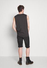 Diesel - THOSHORT - Szorty jeansowe - black - 2