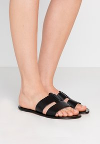 J.CREW - INTERLOCKING CYPRESS  - Mules - black - 0